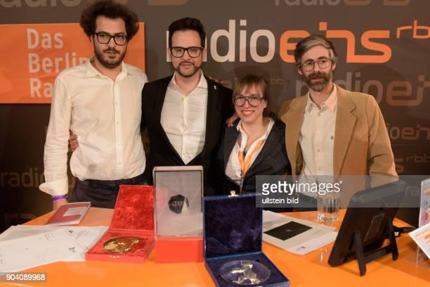Regisseur Karam Ghossein mit dem Audi Short Film Award für den Film STREET OF DEATH Regisseur Diogo Costa Amarante mit dem Goldenen Bären Bester...