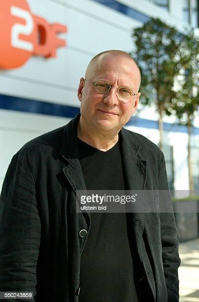 Regisseur Matti Geschonnek anlässlich eines Pressetermins zur ZDF-Fernsehserie -Stolberg- in Hamburg