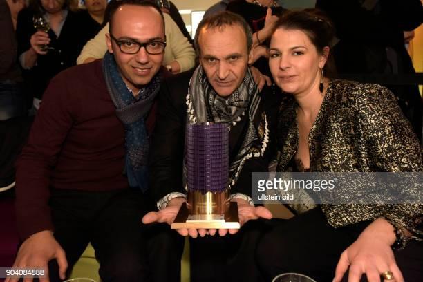 Regisseur Raed Andoni mit dem Glashütte Orginal Dokumentarfilmpreis für den Film GHOST HUNTING zu Gast im RadioEins Berlinale Nighttalk aus der...