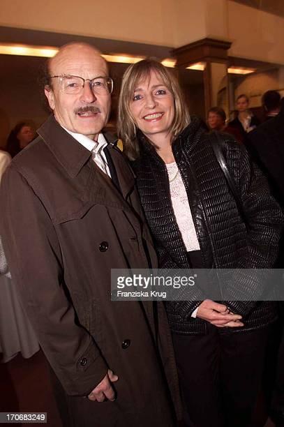 Regisseur Volker Schlöndorff Ehefrau Angelika Bei Sir Peter Ustinovs Geburtstags Gala 060401