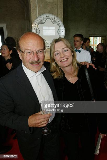 Regisseur Volker Schlöndorff Mit Ehefrau Angelika Bei Der Verleihung Des Montblanc De La Culture Arts Patronage Award 2003 Im Palais Lichtenaau In...