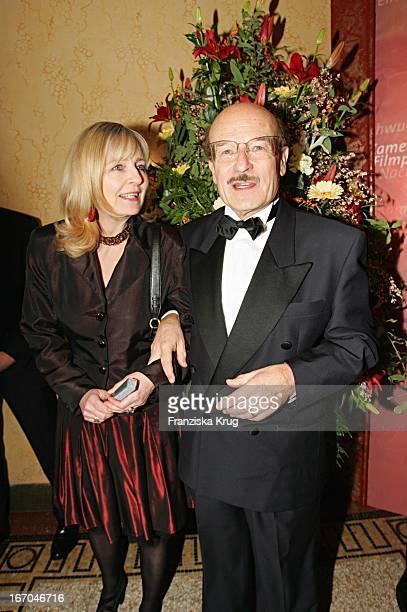 Regisseur Volker Schlöndorff Mit Ehefrau Angelika Bei Der Verleihung Des Bayerischen Filmpreis Im Prinzregententheater In München Am 140105
