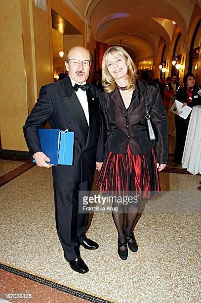 Regisseur Volker Schlöndorff Und Ehefrau Angelika Bei Der Verleihung Des Bayrischen Filmpreis Im Prinzregententheater In München Am 140105