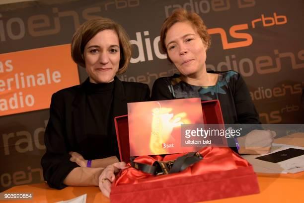 Regisseurin Carla Simon und ihre Produzentin mit dem GWFF Preis für den Besten Erstlingsfilm zu Gast im RadioEins Berlinale Nighttalk aus der...