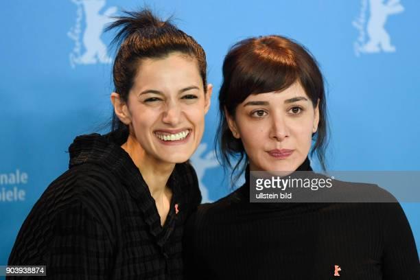Regisseurin Ceylan Özgun Özcelik und Schauspielerin Algi Eke beim Photocall zum Film KAYGI/INFLAME während der 67 Berlinale