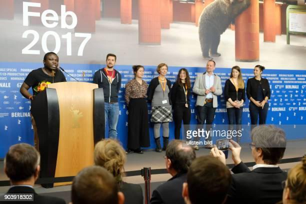 Regisseurin Ildiko Enyedi mit dem Preis der Leserjury des Tagesspiegels für den Film Maman Colonelle anlässlich der Preisverleihung der Unabhängigen...