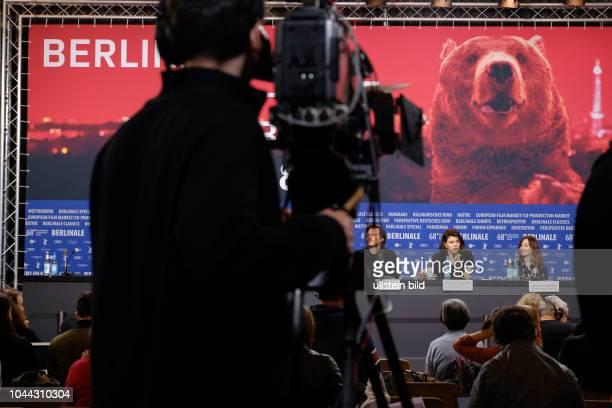 Regisseurin Malgorzata Szumowska Drehbuchautor Michal Englert und Schauspielerin Agnieszka Podsiadlik während der Pressekonferenz zum Film TWARZ MUG...