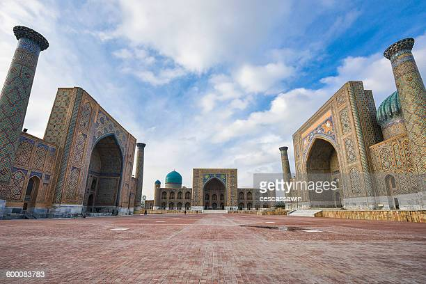 registan square, samarkand, uzbekistan - muziek stock pictures, royalty-free photos & images