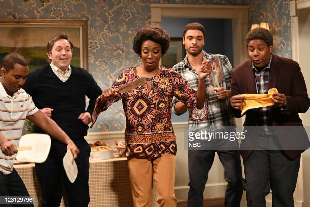 """Regé-Jean Page"""" Episode 1798 -- Pictured: Chris Redd, Beck Bennett, Ego Nwdoim, host Regé-Jean Page, and Kenan Thompson during the """"Let's Say Grace""""..."""