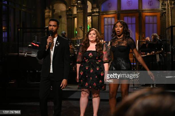"""Regé-Jean Page"""" Episode 1798 -- Pictured: Host Regé-Jean Page, Aidy Bryant, and Ego Nwodim during the Monologue on Saturday, February 20, 2021 --"""