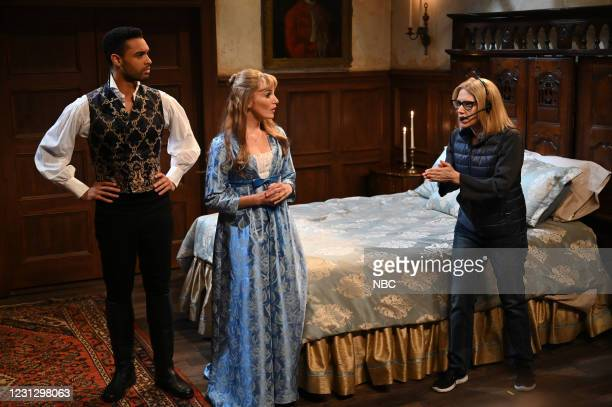 """Regé-Jean Page"""" Episode 1798 -- Pictured: Host Regé-Jean Page, Chloe Fineman, and Kate McKinnon during the """"Intimacy Coordinator"""" sketch on Saturday,..."""