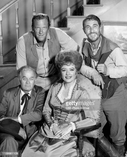 29 Gunsmoke Cast Pictures, Photos & Images - Getty Images