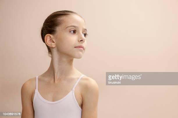 子供のバレエ スタジオでリハーサル - ロシアバレエ団 ストックフォトと画像