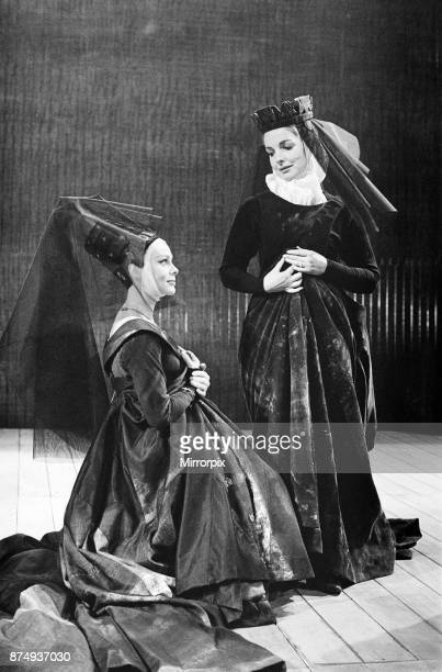 Rehearsals for 'Richard III' at the Royal Shakespeare Theatre StratforduponAvon Lady Anne and Queen Elizabeth 22nd May 1961