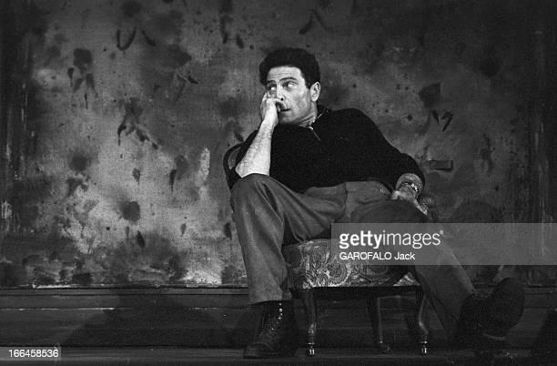 Rehearsals Of The Theater Play ' Vu Du Pont'. France, Paris, 13 mars 1958, les répétitions pour la pièce de théâtre 'Vu du pont' écrite par le...