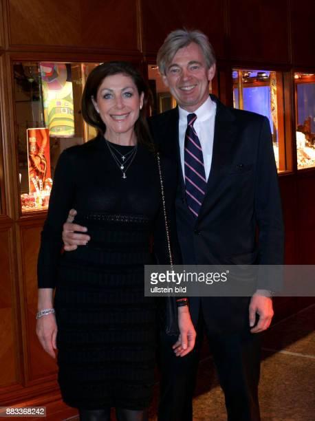 Rehlingen Alexandra von Unternehmerin D mit Ehemann Matthias Prinz anlaesslich Wahlparty 'Deutschland jetzt' in Berlin