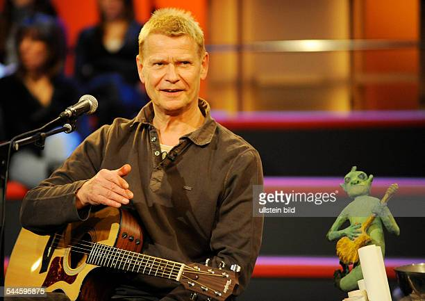 Reichel Achim Musician Singer Rock music Germany performing at the tvshow 'Aktuelle Schaubude' in Germany