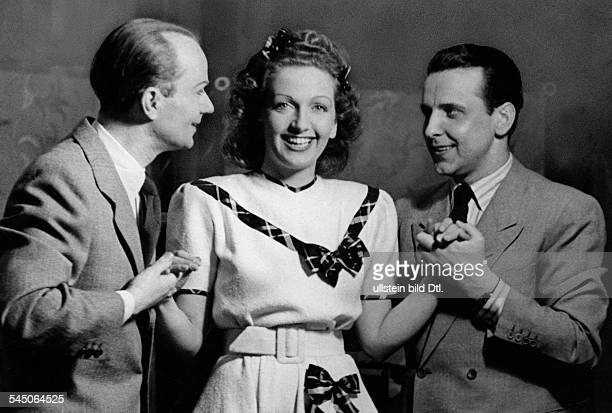 Reichlin Fee von Actress Germany with Hugo Schrader and Georg Thomalla in the operetta 'Die Frau ohne Kuss' Thalia Theater 1944 Photographer Willott...