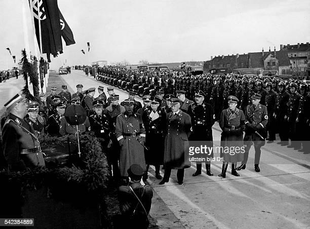 Reichsminister Kerrl eröffnet denAbschnitt Braunschweig Lehrte derAutobahn nach Hannover April 1936 Aufnahme PresseIllustrationen Heinrich Hoffmann