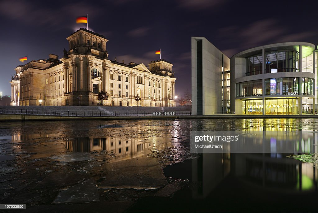 Reichstag And Spree In Winter : Stock Photo