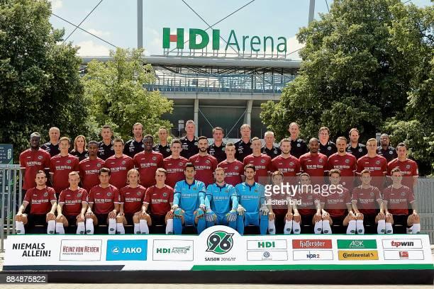 Mannschaft von Hannover 96 Saison 2016/17 hier Servet Kaya Frauke Wilhelm Jens Vergers Dr Felix Hessel Timo Rosenberg Markus Gellhaus Daniel Stendel...