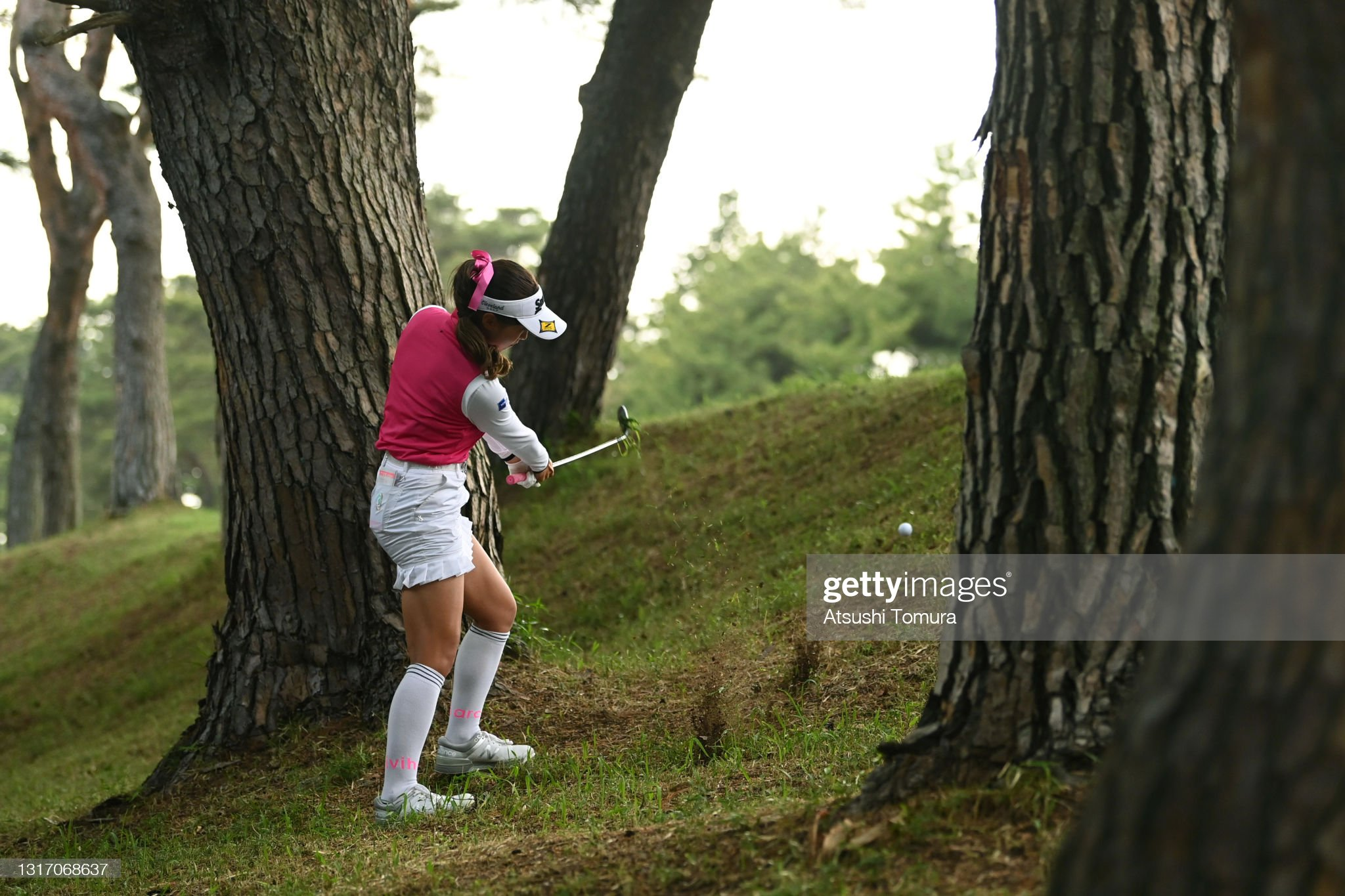 https://media.gettyimages.com/photos/reika-usui-of-japan-hits-her-second-shot-on-the-18th-hole-during-the-picture-id1317068637?s=2048x2048