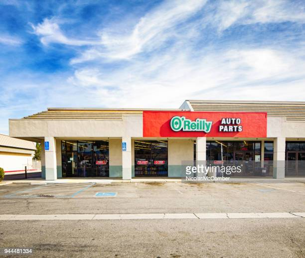 o'reilly auto parts san jose franchise store with empty parking lot on a sunny day - auto repair shop exterior stock pictures, royalty-free photos & images