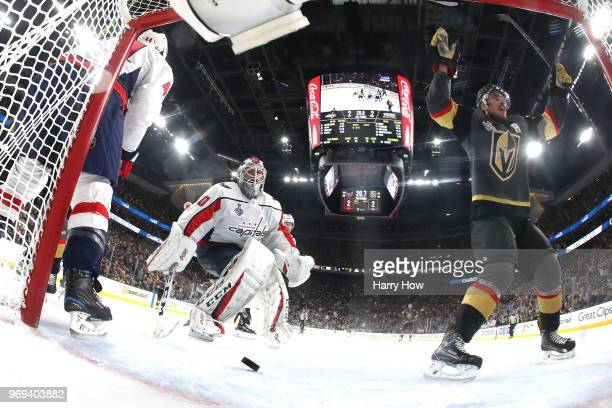 Reilly Smith of the Vegas Golden Knights celebrates his secondperiod goal as Braden Holtby of the Washington Capitals reacts in Game Five of the 2018...