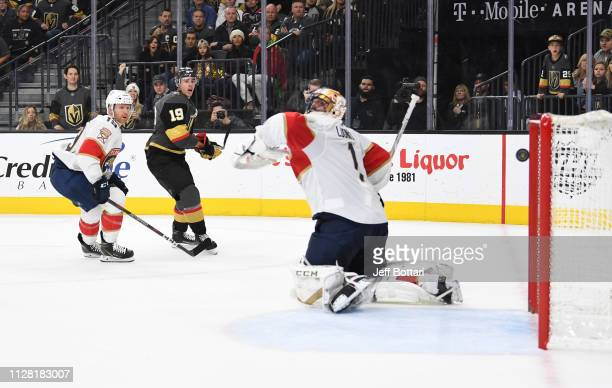 Reilly Smith of the Vegas Golden Knights scores a goal during the third period against the Florida Panthers at TMobile Arena on February 28 2019 in...