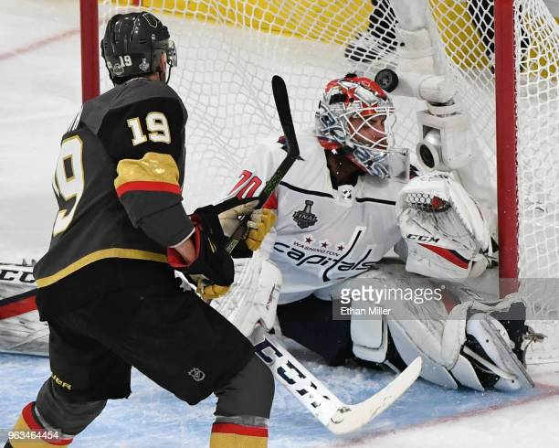 Reilly Smith of the Vegas Golden Knights scores a secondperiod goal against Braden Holtby of the Washington Capitals during Game One of the 2018 NHL...