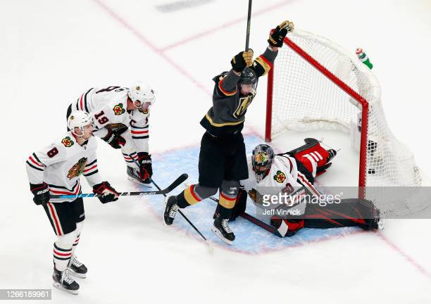 Reilly Smith of the Vegas Golden Knights scores the game-winning goal at 7:13 of overtime against the Chicago Blackhawks to win the game 4-3 in Game...