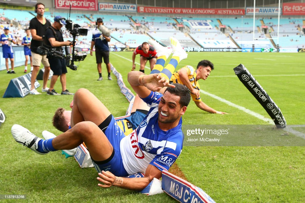 NRL Rd 2 - Bulldogs v Eels : News Photo