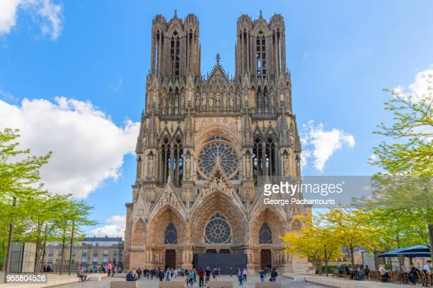 reims cathedral, france - cathedral stock pictures, royalty-free photos & images