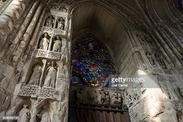 reims cathedral interior - reims, france - reims cathedral stock pictures, royalty-free photos & images