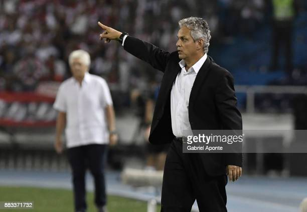 Reinaldo Rueda coach of Flamengo gestures during a second leg match between Junior and Flamengo as part of the Copa CONMEBOL Sudamericana 2017...