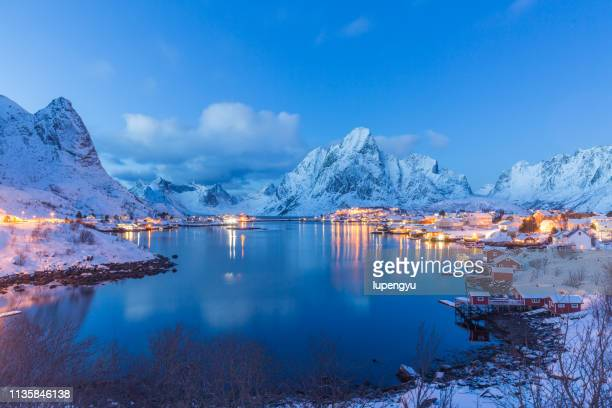 reine bay at dusk,lofoten - twilight stock pictures, royalty-free photos & images
