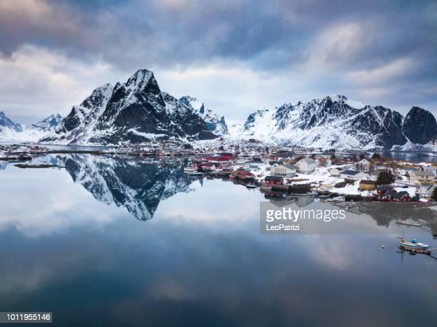 reine - lofoten islands bay in northern norway - lofoten stock pictures, royalty-free photos & images