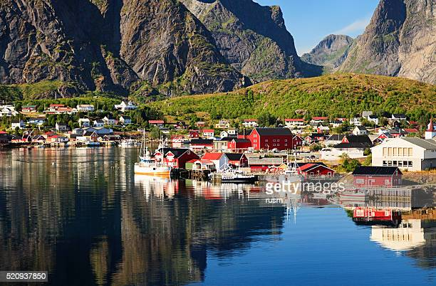 Reine, picturesque Norwegian fishing village in Lofoten Islands
