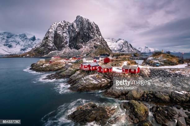 reine rorbuer - noruega - fotografias e filmes do acervo