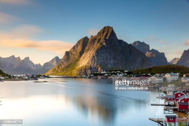 reine sunset - sonnenuntergang stock pictures, royalty-free photos & images