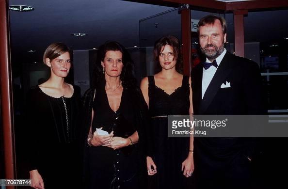 Reinhard Flötotto Mit Frau Barbara Töchtern Katrin Friederike Bei News Photo Getty Images