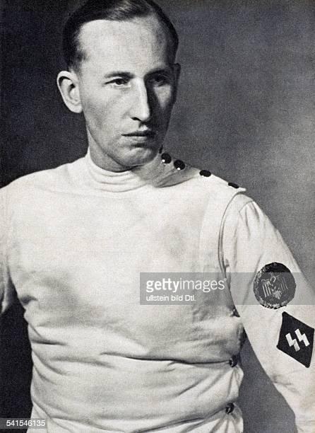 """Reinhard Heydrich *07.03..1942+Politiker, NSDAP, D - SS-Offizier im FechtanzugErschienen in der """"Signal"""", im zweiten Februarheft 1943- 1943"""