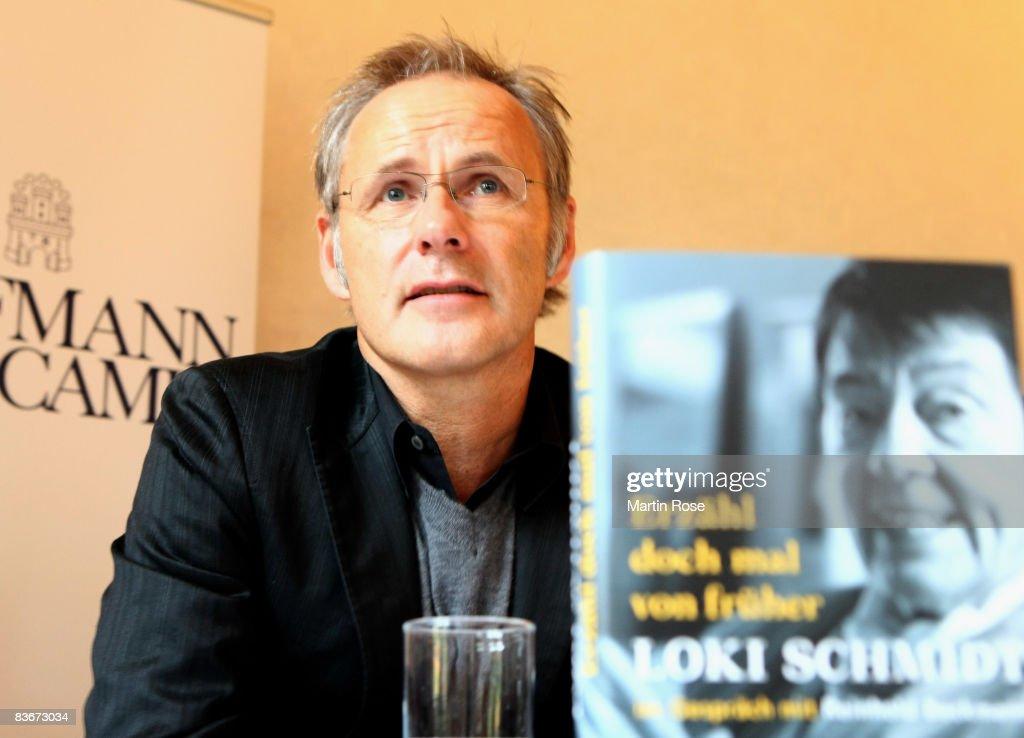Reinhold Beckmann attends the book presentation of Loki Schmidt at the Heinrich Heine House on November 13, 2008 in Hamburg, Germany.