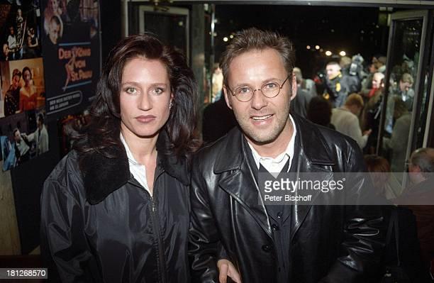 Reinhold Beckmann Ehefrau Kerstin Beckmann Sat1Sechsteiler Der König von St Pauli Premierengala Hamburg Deutschland Sportmoderator
