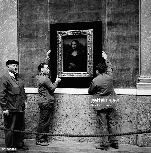Reinstallation After A Brief Stay In Washington DC Of Leonardo Da Vinci's Famous Painting 'Mona Lisa' At The The Louvre Museum in Paris France on...