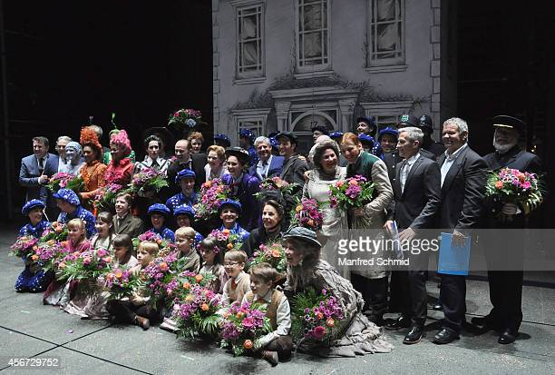 Reinwald Kranner Milica Jovanovica Annemieke Van Dam David Boyd Sir Cameron Mackintosh and all memebers of the cast pose for a photograph during the...