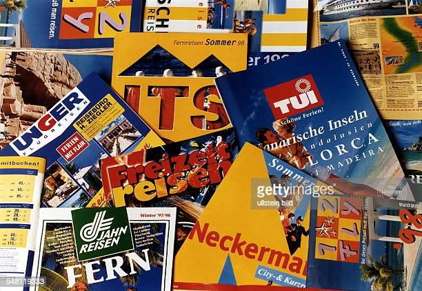 Reisekataloge verschiedener Veranstalter 1996