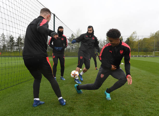 https://media.gettyimages.com/photos/reiss-nelson-mesut-ozil-henrikh-mkhitaryan-and-aaron-ramsey-of-the-picture-id953736170?k=6&m=953736170&s=612x612&w=0&h=WmoQnIhZBcHtXLJajmTKTcR0L-UOX_wZEcYYut10YDU=