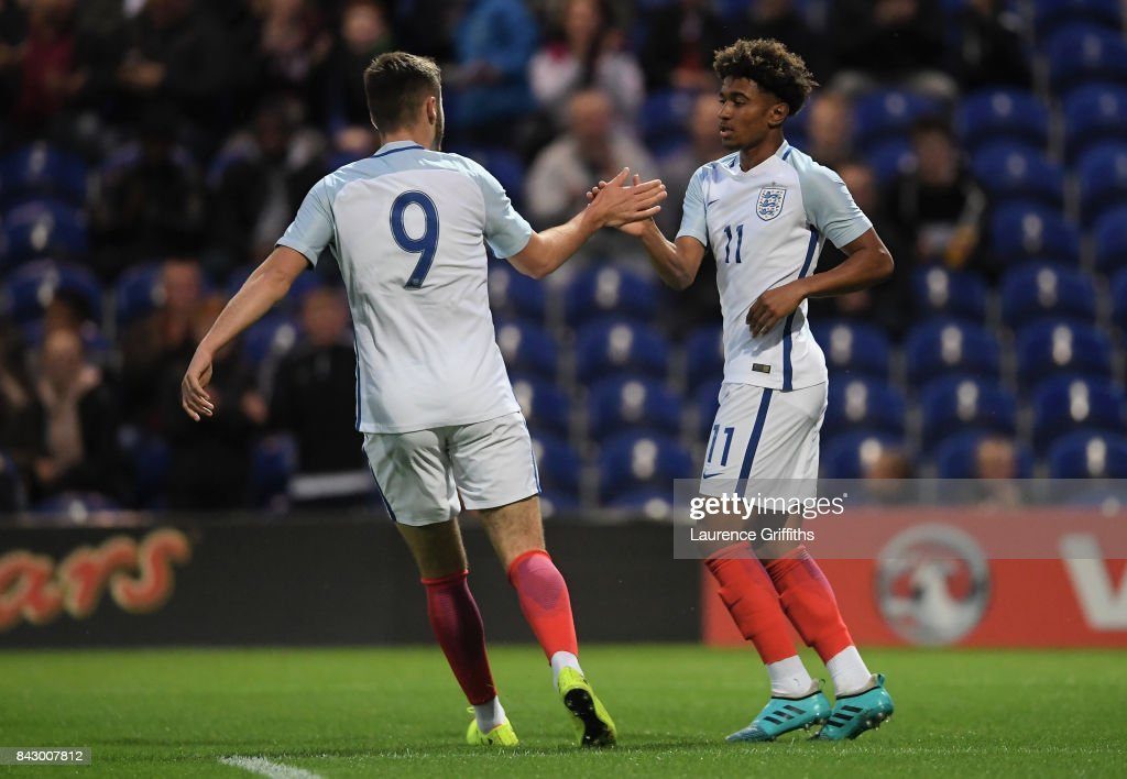 England U19 v Germany U19 - International Match : ニュース写真
