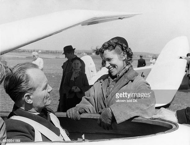 Reitsch Hanna * Air Woman Germany with Heinz Kensche during the training for the glider worldcup in England